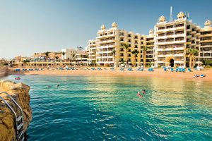 Sunrise Holidays Resort strand